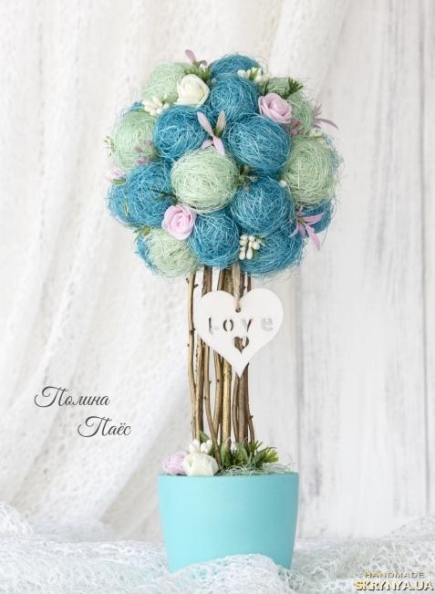 тут изображено Бирюзовое деревцо ′Love′