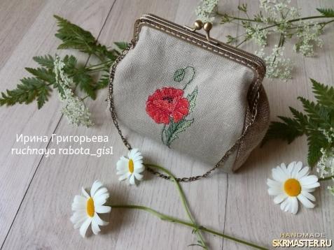 тут изображено Миниатюрная сумочка на фермуаре ′Мак′