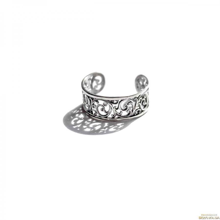 тут изображено Ажурное кольцо с орнаментом из нейзильбера с регулируемым размером