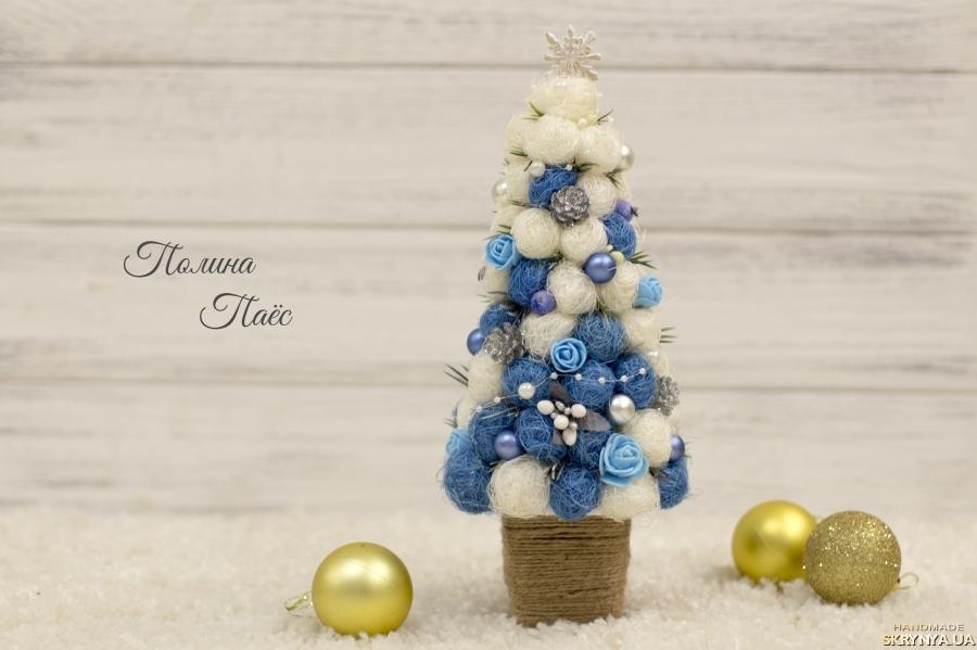 тут изображено Декоративная елка из сизаля ′Зимняя сказка′