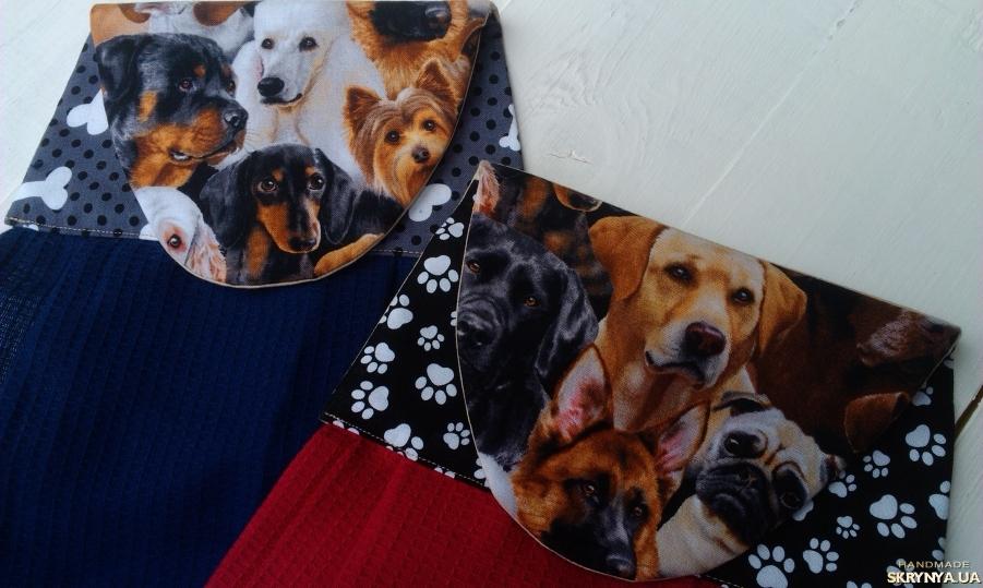 тут изображено Полотенце с собакой, кухонный текстиль с мордами собак