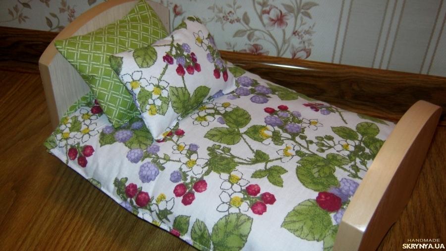 тут изображено Кровать для кукол. Ручная работа!