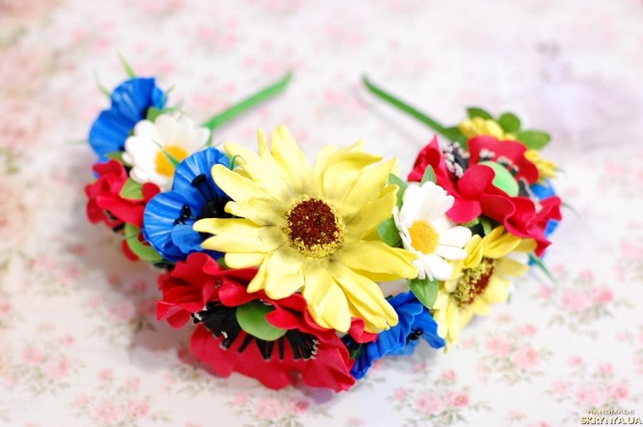 тут изображено Обруч ободок венок в украинском стиле с цветами из фоамирана