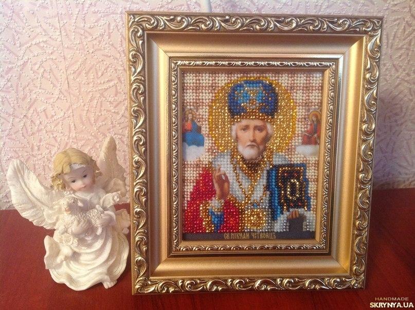 тут изображено Икона Св.Николая Чудотворца. 19 цветов чешского бисера.