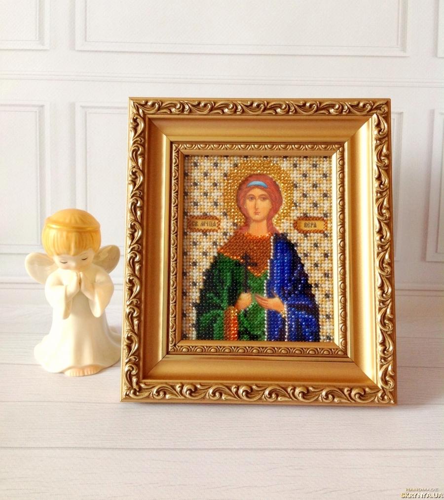 тут изображено Икона Св.Вера. 13 цветов чешского бисера.