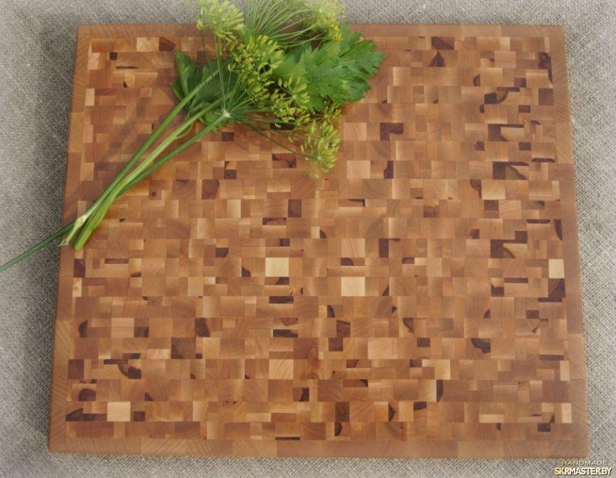тут изображено Разделочная (торцевая) доска из натурального дерева