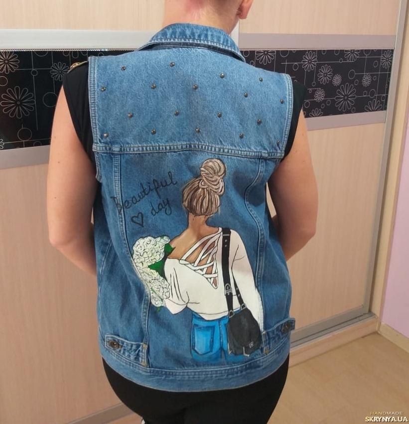 тут изображено Джинсовая куртка с ручной росписью