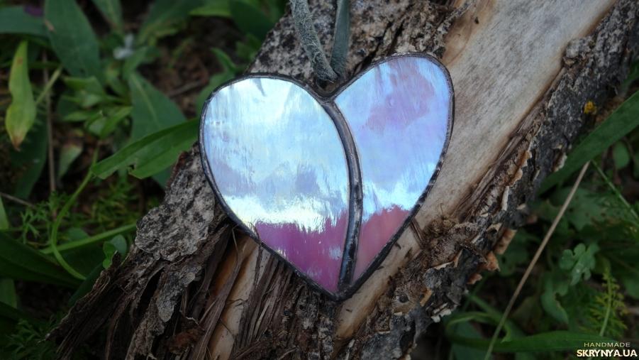 тут изображено Підвіска, кулон Серце