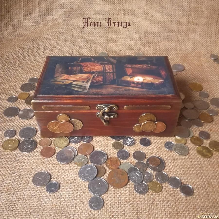тут изображено Шкатулка-купюрница ′Греби деньги лопатой′