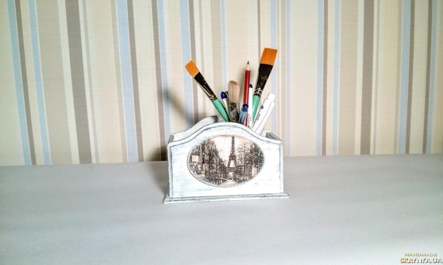 тут изображено карандашница