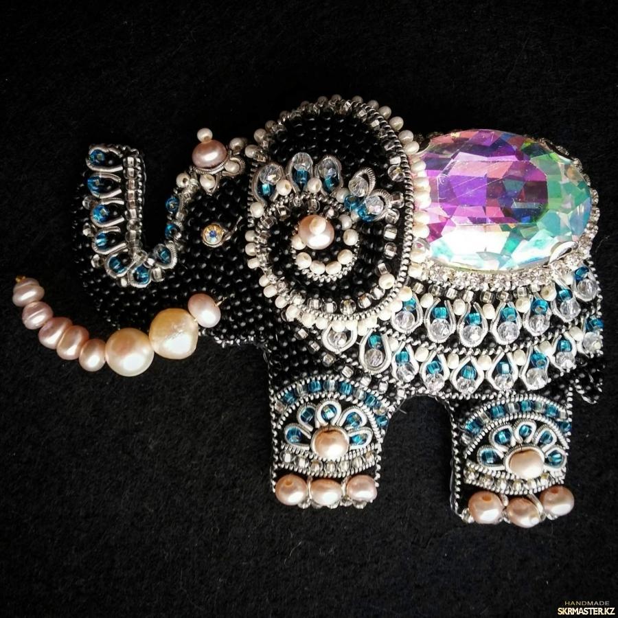 тут изображено Брошь ′Индийский слоник′