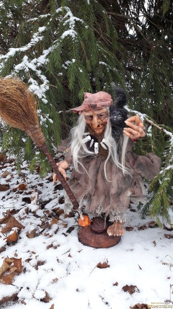 тут изображено Интерьерная кукла Баба Яга
