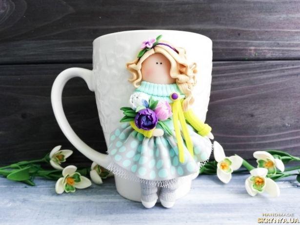 тут изображено Чашка с декором