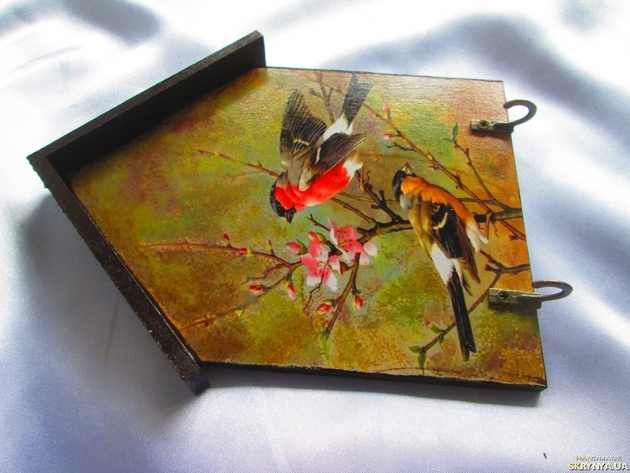 тут изображено Настенная ключница ′Весна′ в прихожую, вешалка для полотенец на кухне
