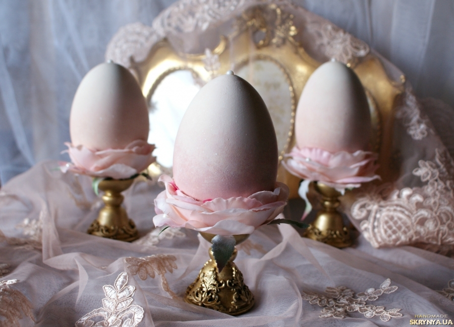 тут изображено Интерьерное яйцо