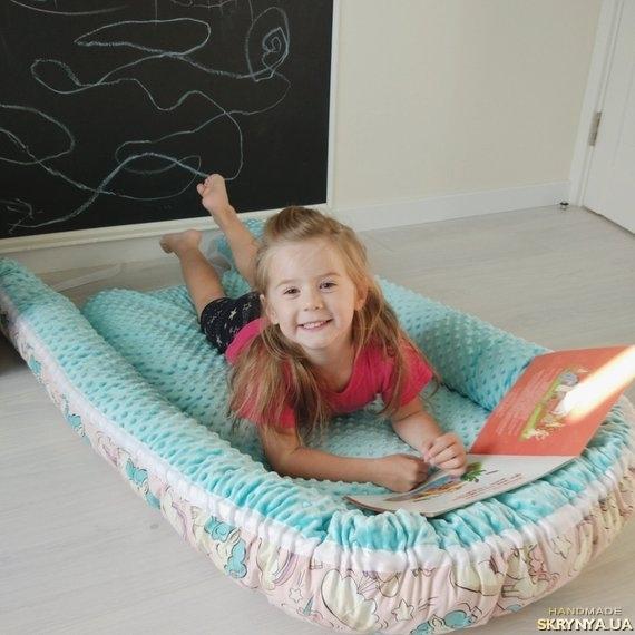 тут изображено Кокон для ребенка (гнездышко, бебинест) Mint unicorns