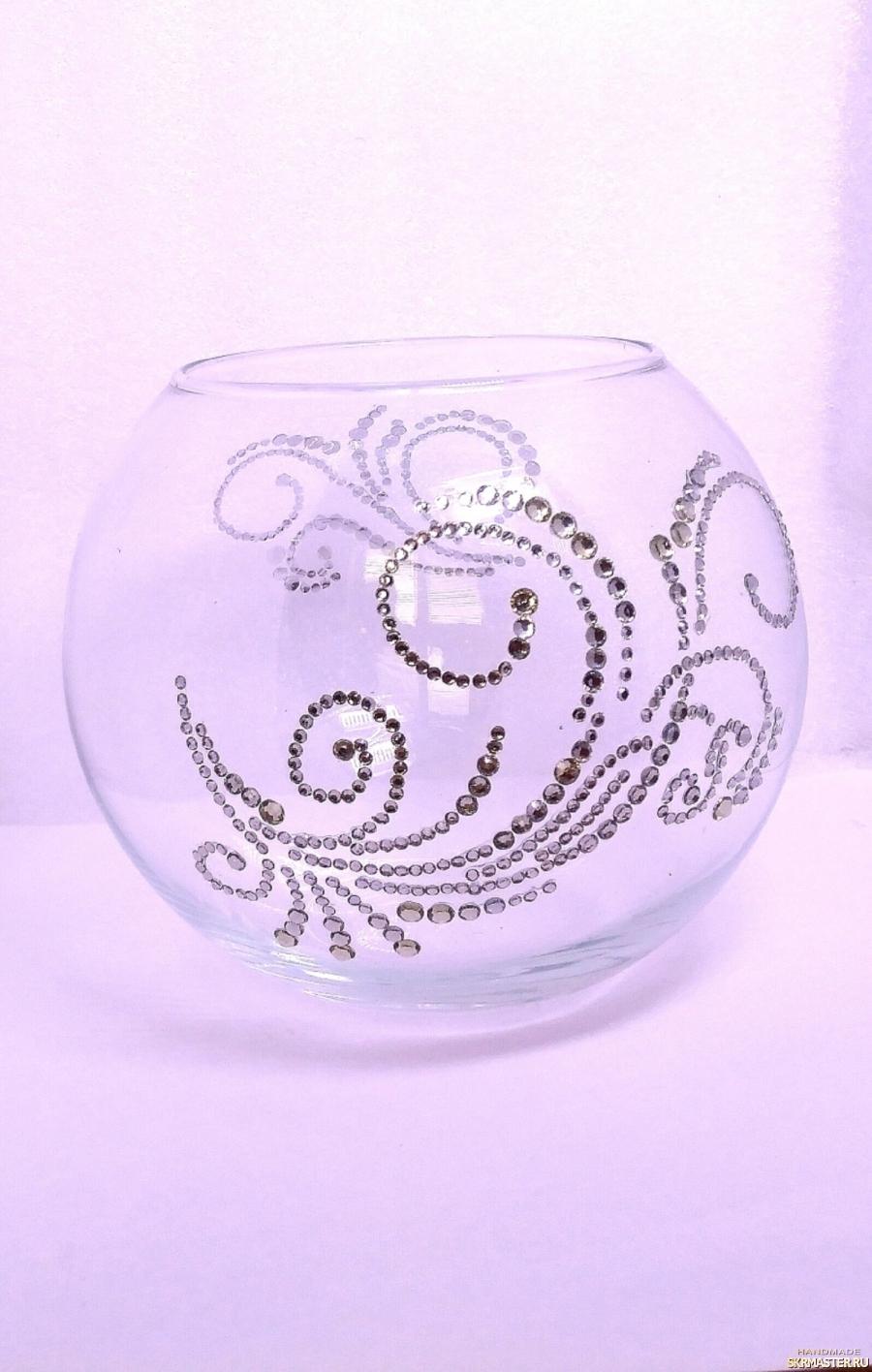 тут изображено Стеклянная ваза