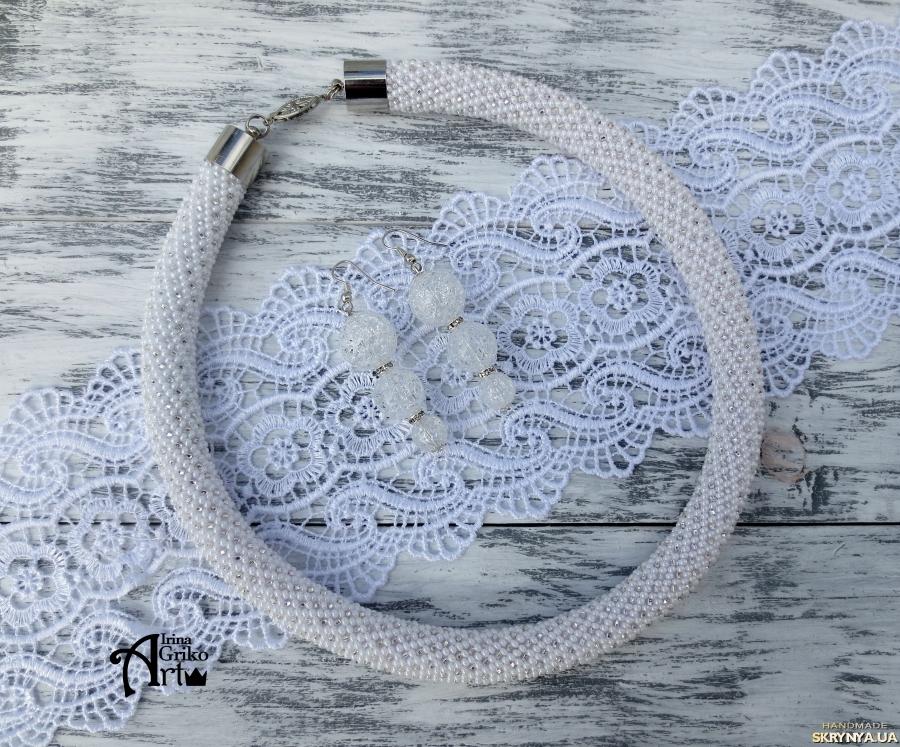 тут изображено Комплект ′Белый с серебром′