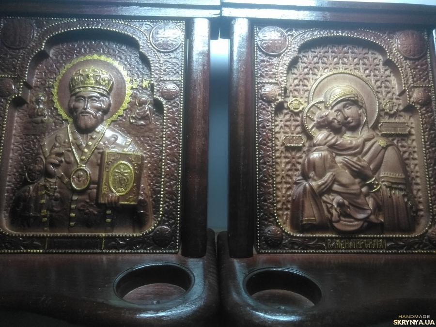 тут изображено Ікона Св. Миколай