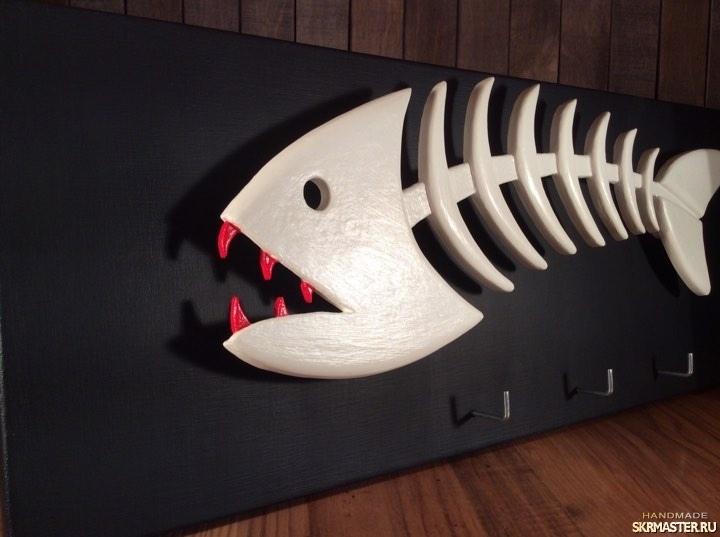 тут изображено 181117_вешалка-ключница_скелет рыбы_1