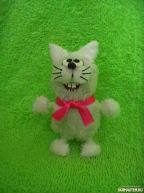 тут изображено Котик, мягкий