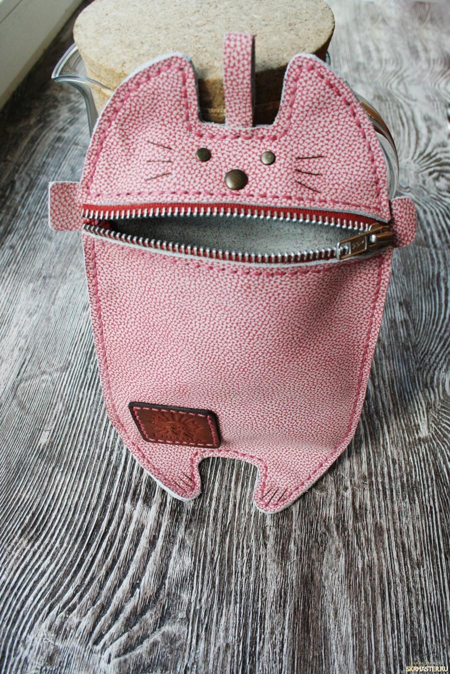 тут изображено Сумочный котик (косметичка-пенал-сумочка)