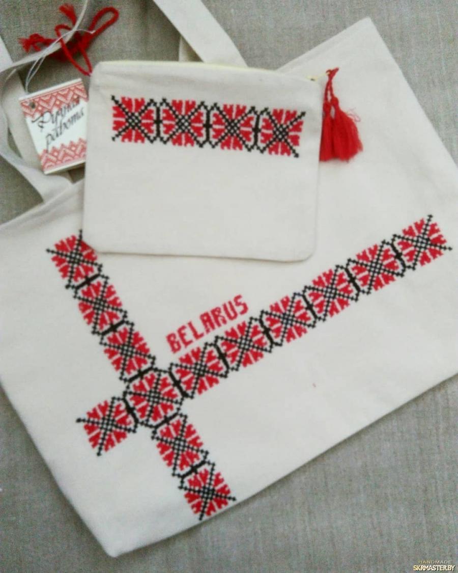 тут изображено Льняная летняя сумка с косметичкой.