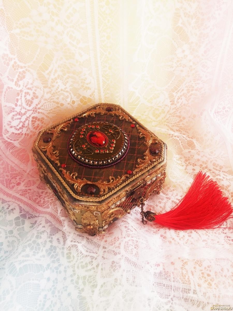 тут изображено Шкатулка для бижутерии Сказки Шехерезады