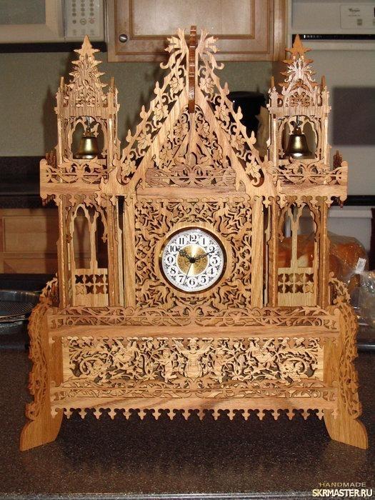 тут изображено Красивый замок в виде часов