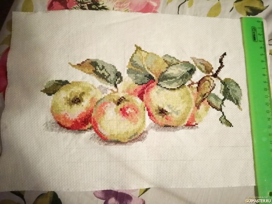 тут изображено яблоки