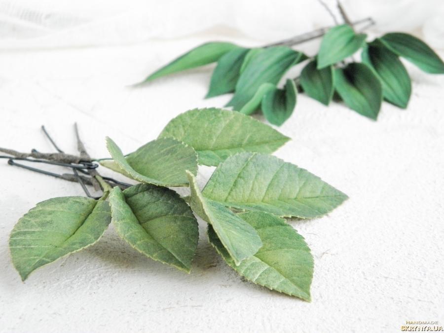 тут изображено Шпильки для волос с листьями, Зеленые свадебные шпильки