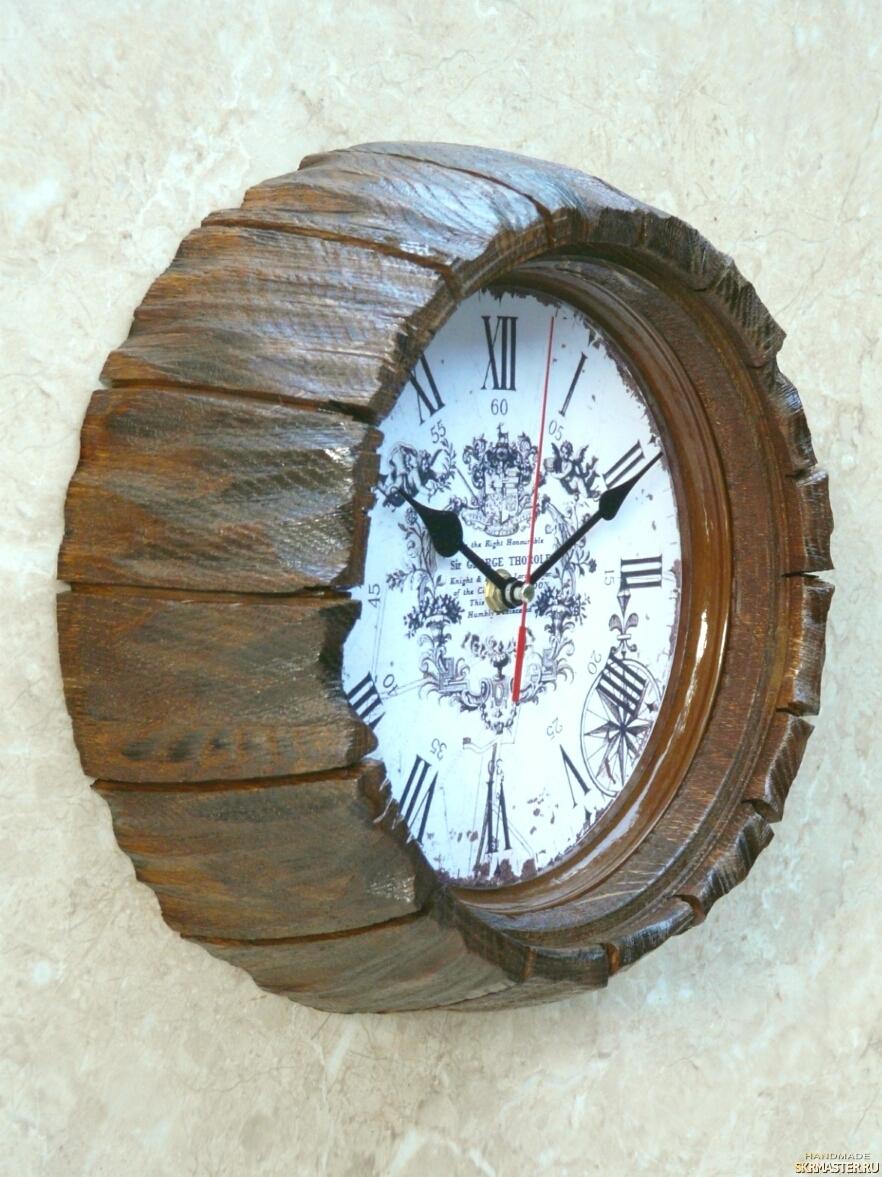 тут изображено Часы настенные ′старая бочка′. N 8