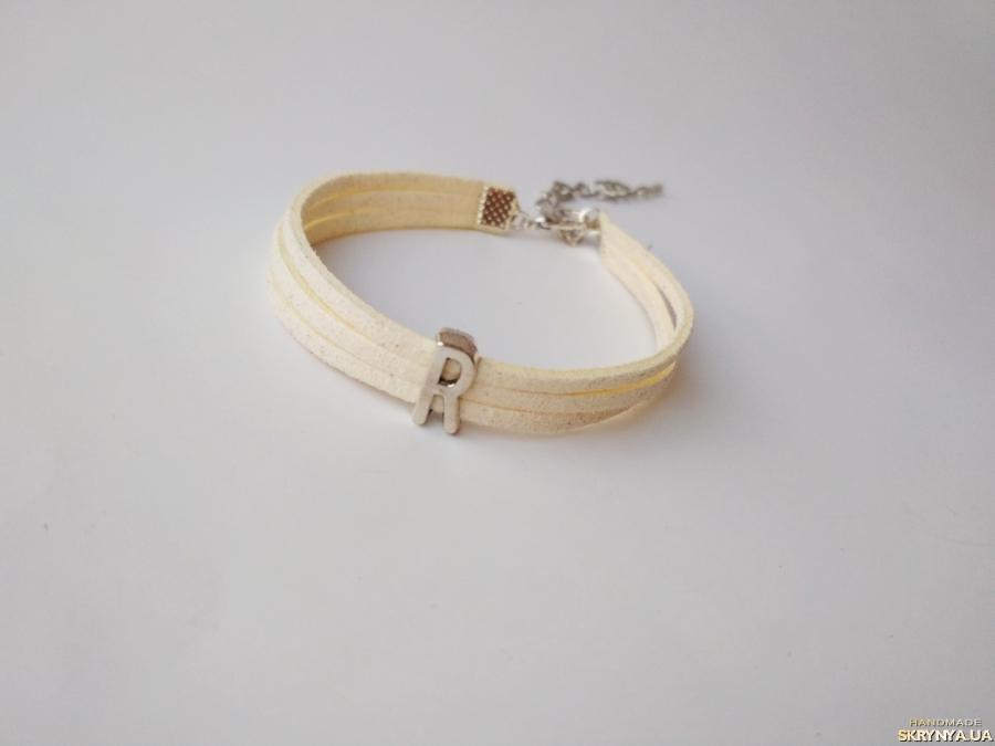тут изображено Замшевый браслет ′Rachel′
