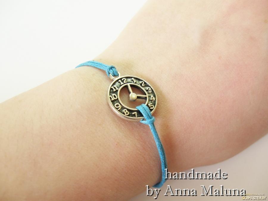 тут изображено Браслет ручной работы ′Часы′ (голубой)