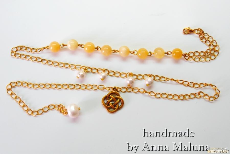 тут изображено Комплект украшений ручной работы ′Золотой вензель′ (браслет, серьги)