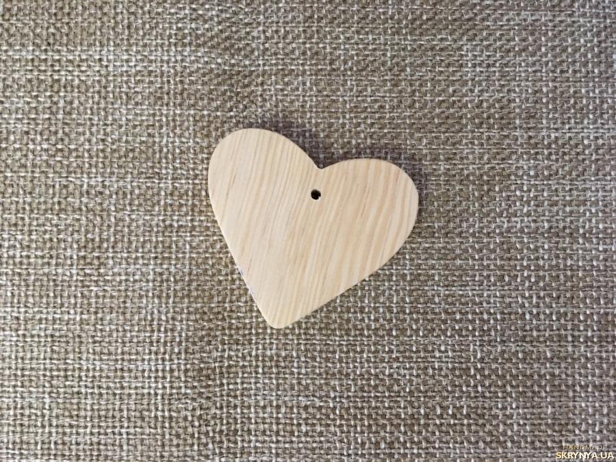 тут изображено Подвеска сердце