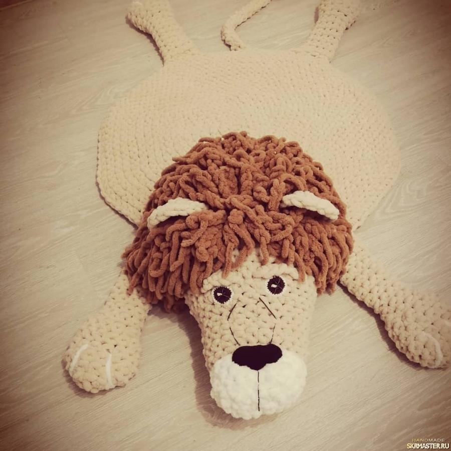 тут изображено Лев