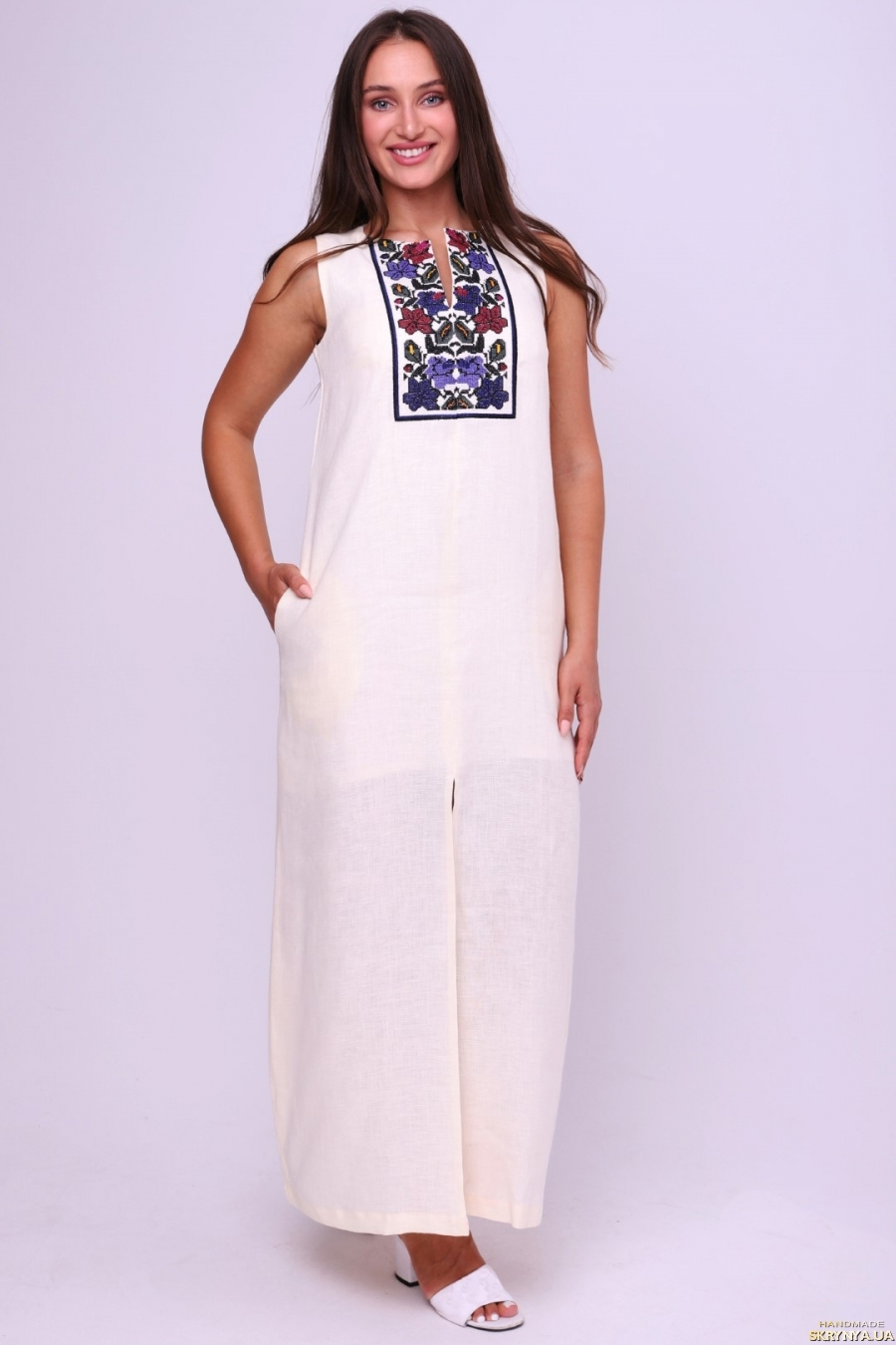 тут изображено Сукня-вишиванка жіноча