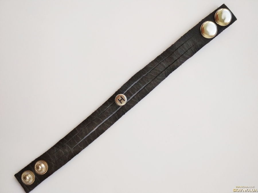 тут изображено Кожаный (замшевый) браслет ′Hayley′