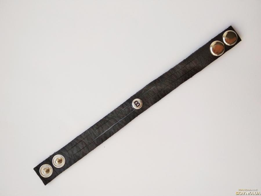 тут изображено Кожаный (замшевый) браслет ′Brenda′