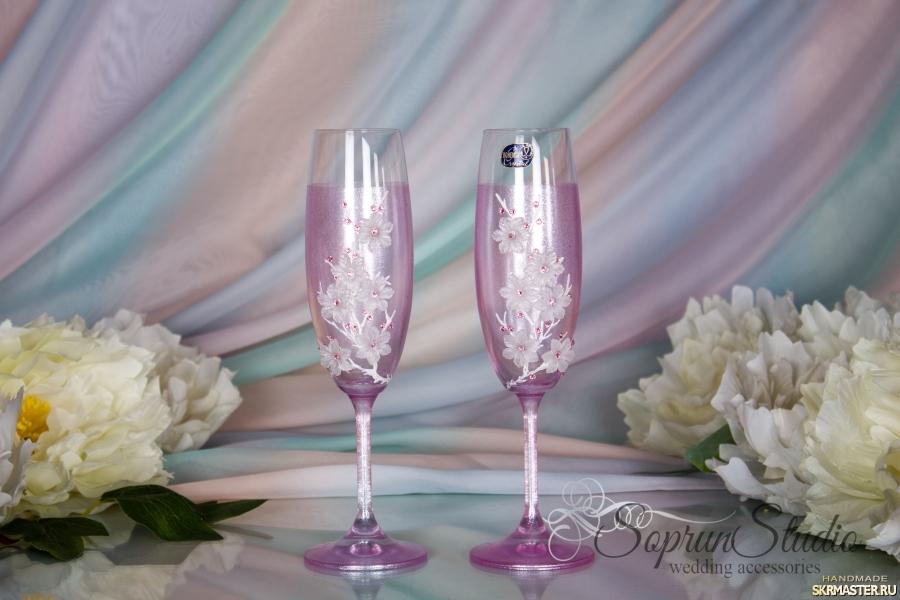 тут изображено Свадебные бокалы со стразами Swarovski ′Розовые мечты′.