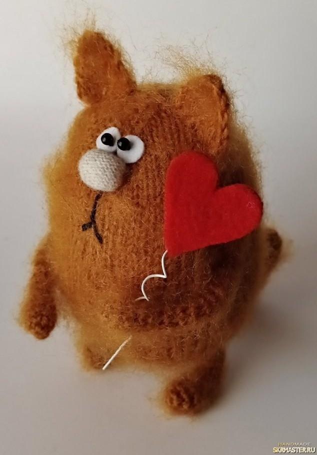 тут изображено Кот влюбленный Рыжик