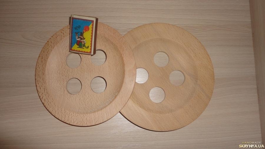 тут изображено Пуговица большая деревянная