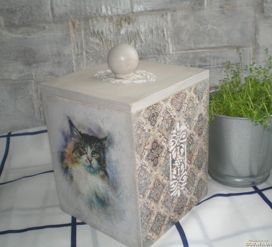 тут изображено Короб для кошачьих вкусняшек