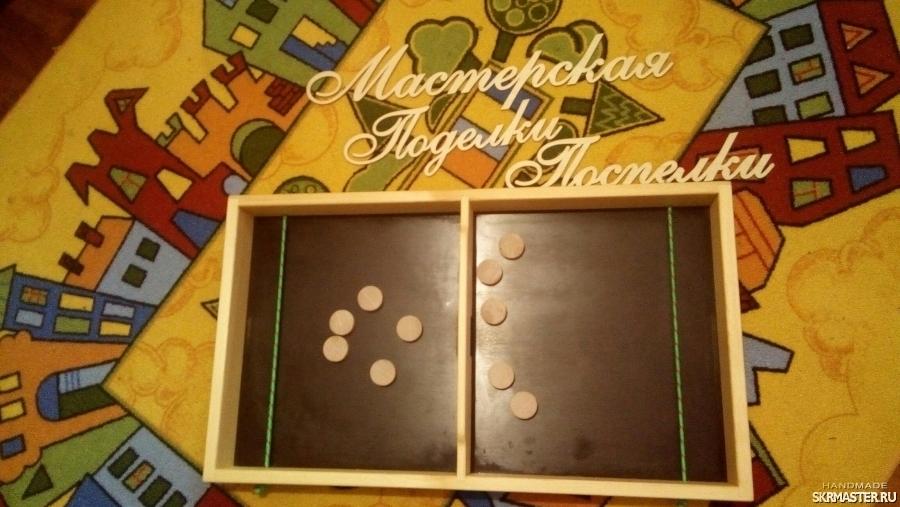 тут изображено Настольная спортивная игра резиночка (elastik table)
