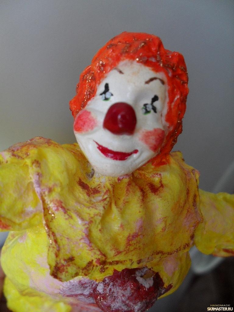 тут изображено ,,Рыжий клоун,,